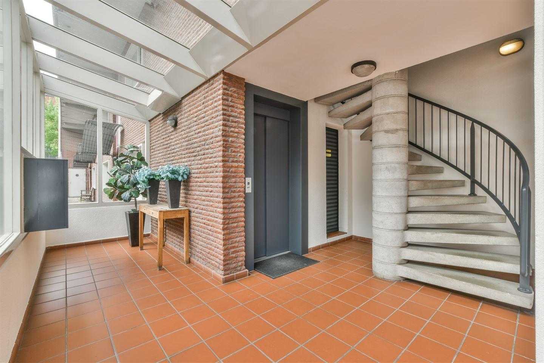 Bekijk foto 2 van Henegouwenstraat 100