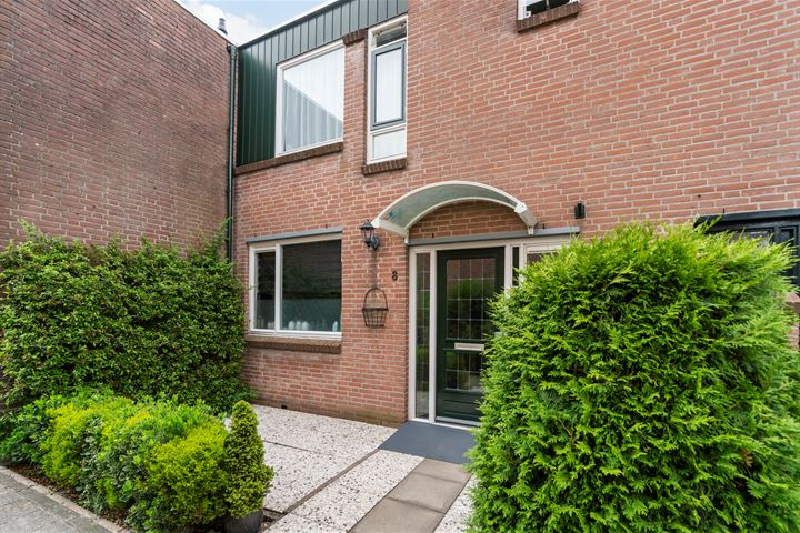Hoenderhof 8