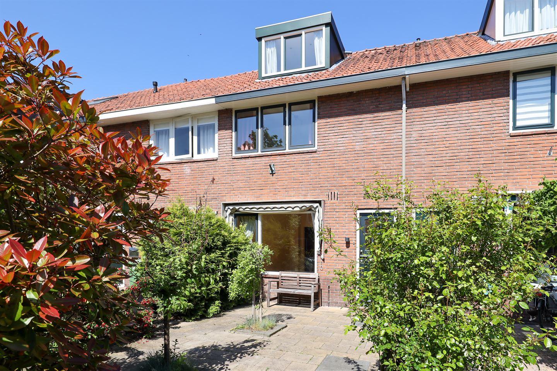 Bekijk foto 1 van Van Musschenbroekstraat 32