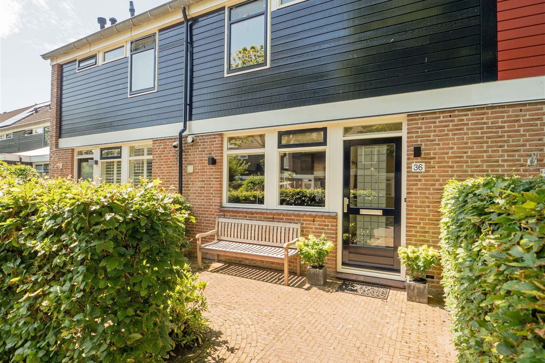 Bekijk foto 1 van Jan Roggeveenweg 36