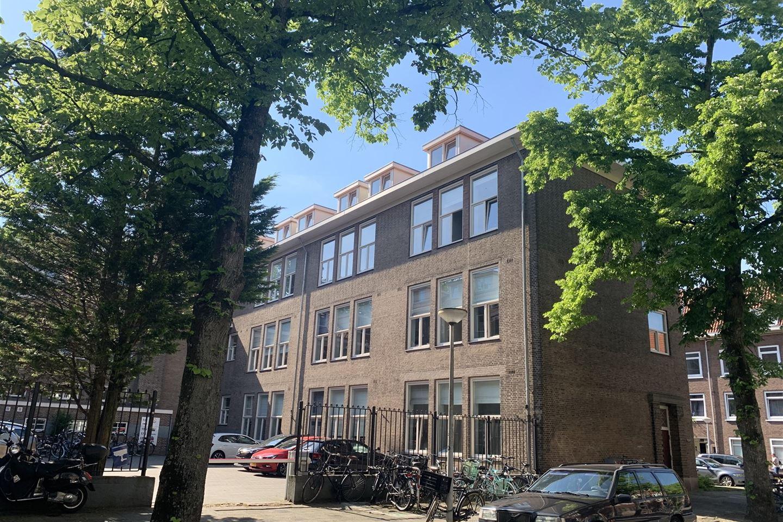 Bekijk foto 1 van Van Middellandtstraat 31