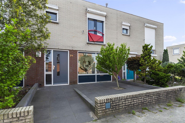 Bekijk foto 1 van Helenastraat 24