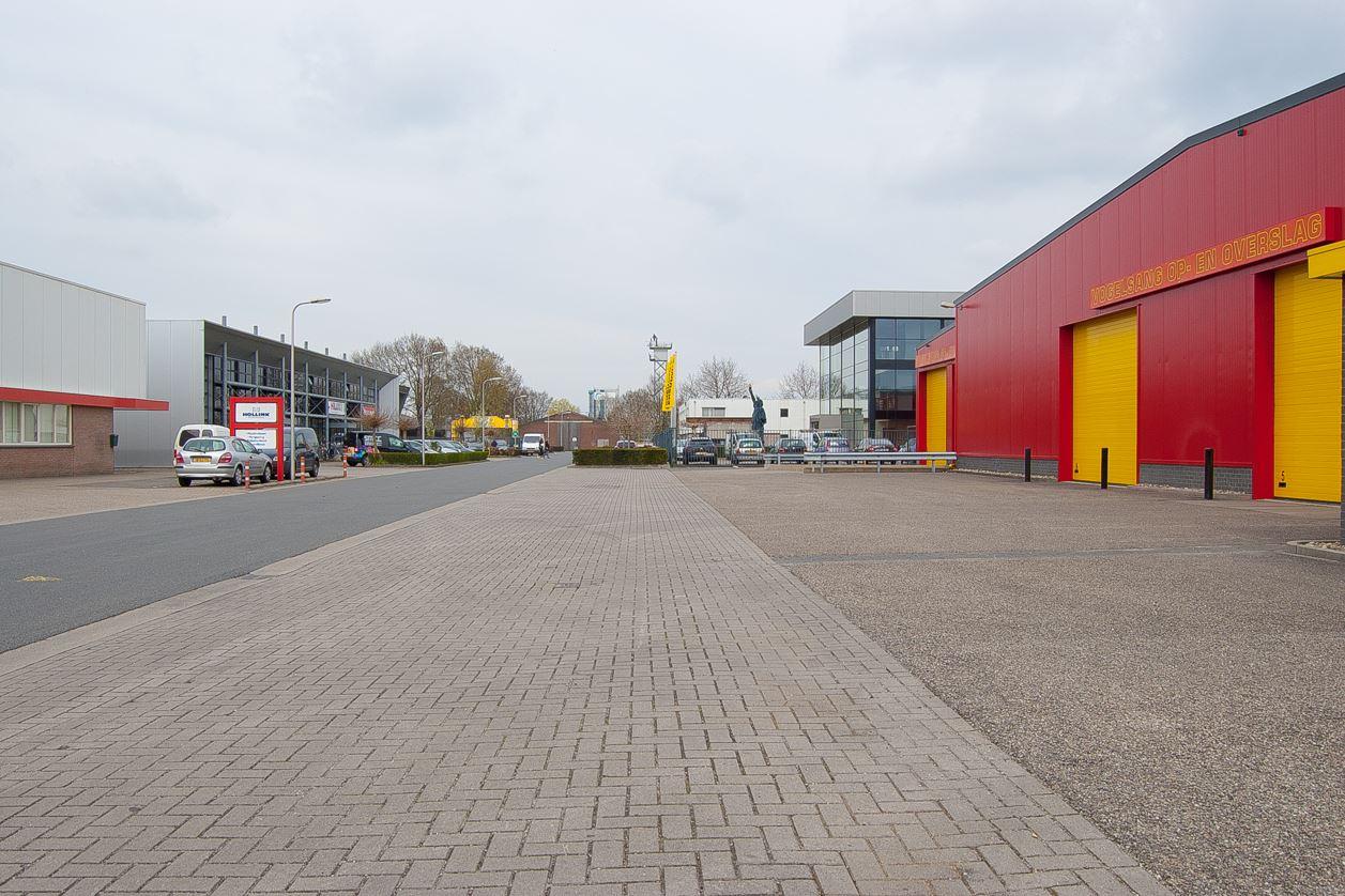 Bekijk foto 2 van Spinelstraat 37