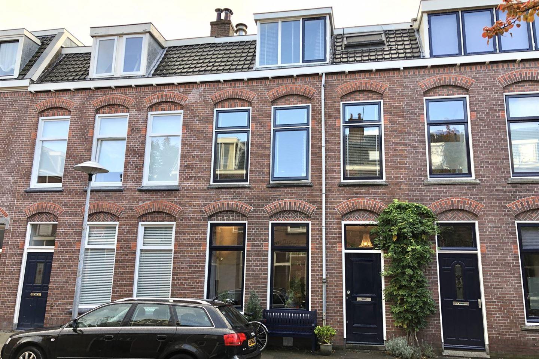 Bekijk foto 1 van Abraham Bloemaertstraat 19