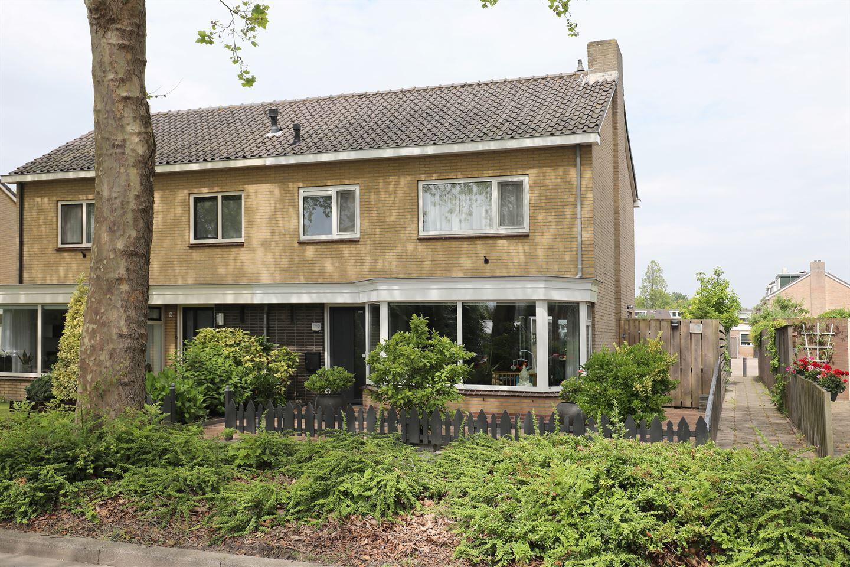 Bekijk foto 1 van Basiusstraat 7