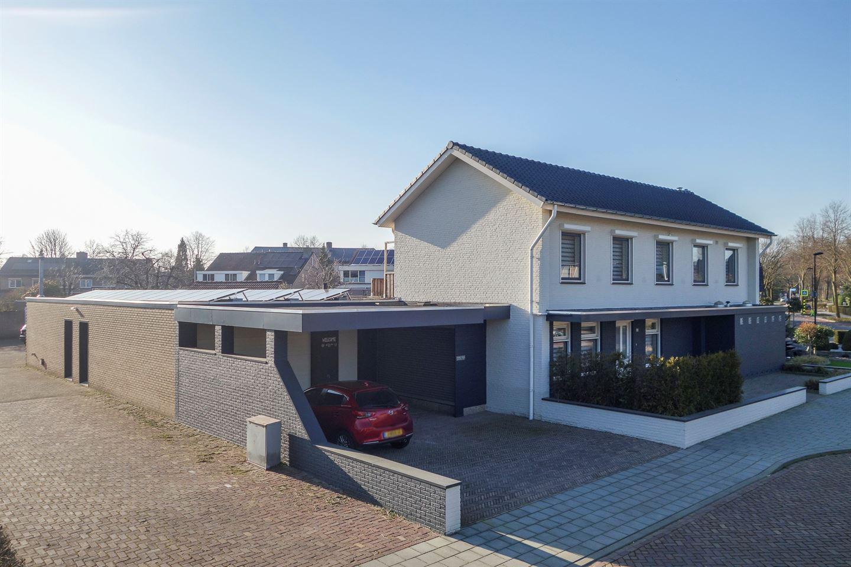 Bekijk foto 2 van Burgemeester Wijnenstraat 71