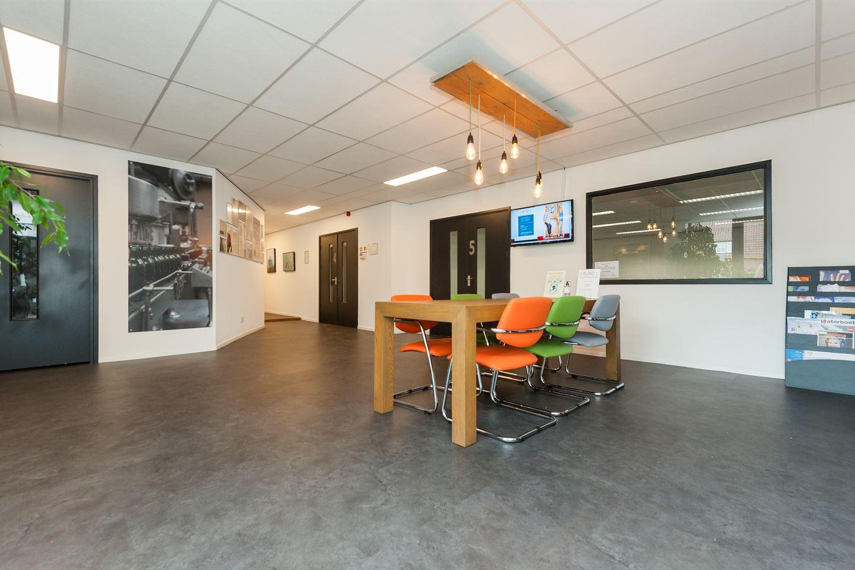 Bekijk foto 3 van Van Heeswijkstraat 4 a