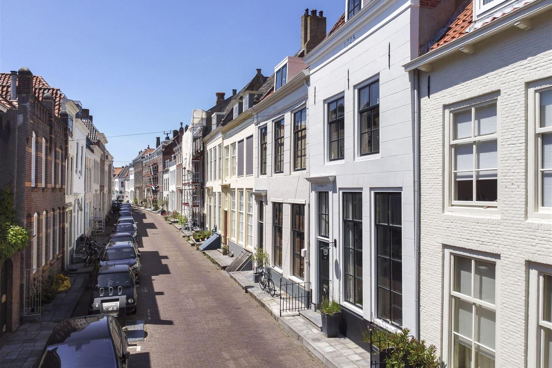 View photo 2 of Singelstraat 37