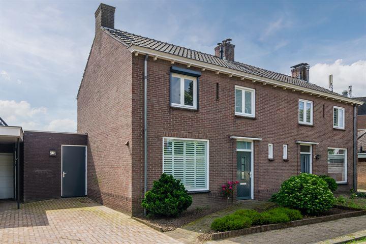 Piet van der Lindenstr 4