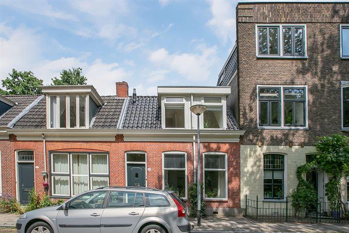 Grachtstraat 20