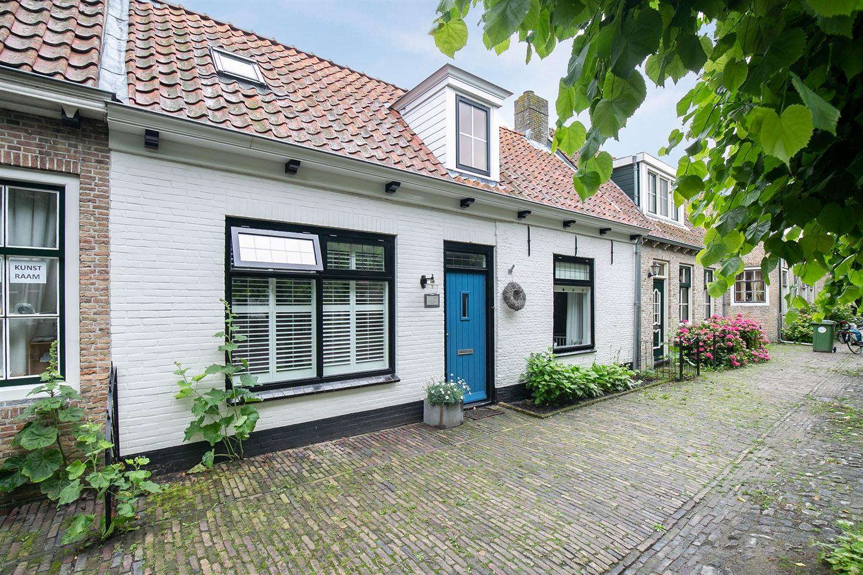 View photo 1 of Dorpsstraat 27