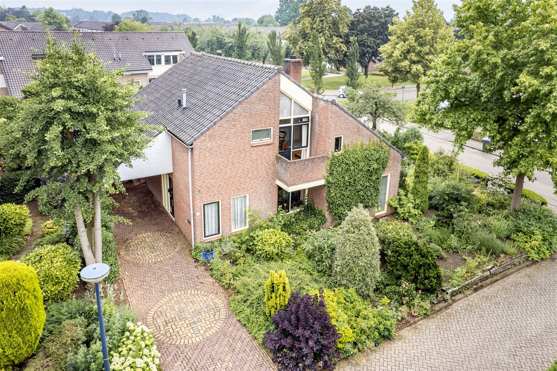 Bekijk foto 1 van Prins Mauritshof 2