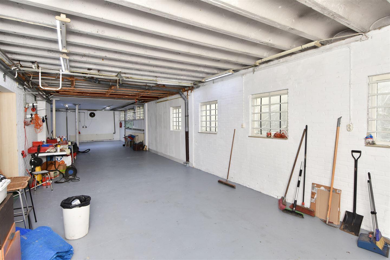 Bekijk foto 4 van Industrieweg 106
