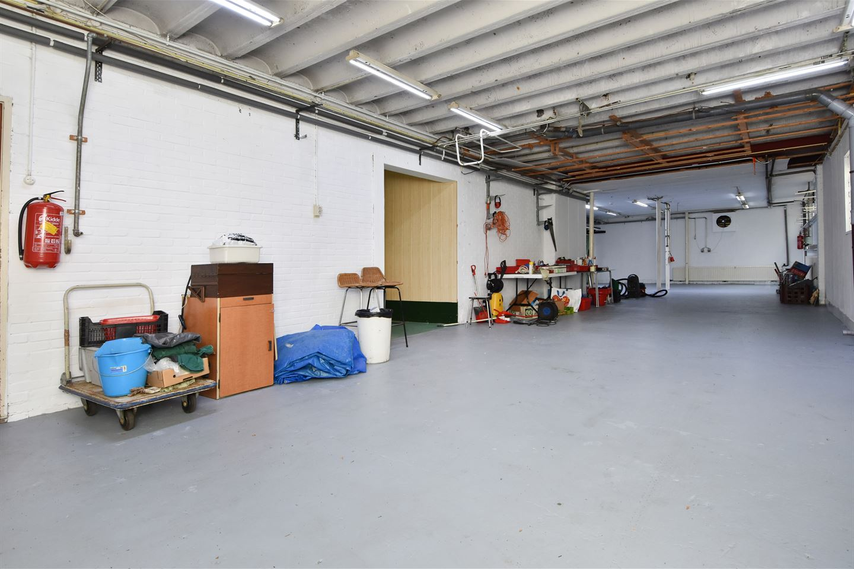 Bekijk foto 5 van Industrieweg 106