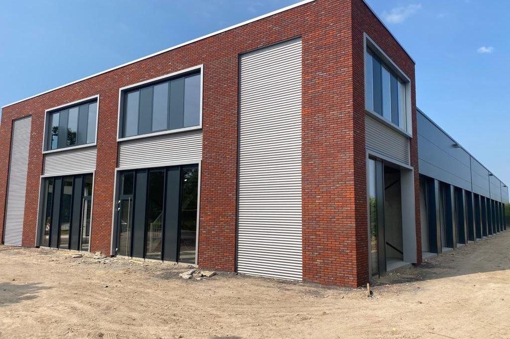 Bekijk foto 1 van Veldweg 10 unit 2