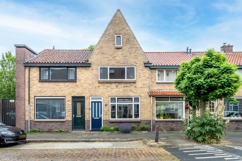 Bekijk foto 1 van Johannes Uitenbogaertstraat 15