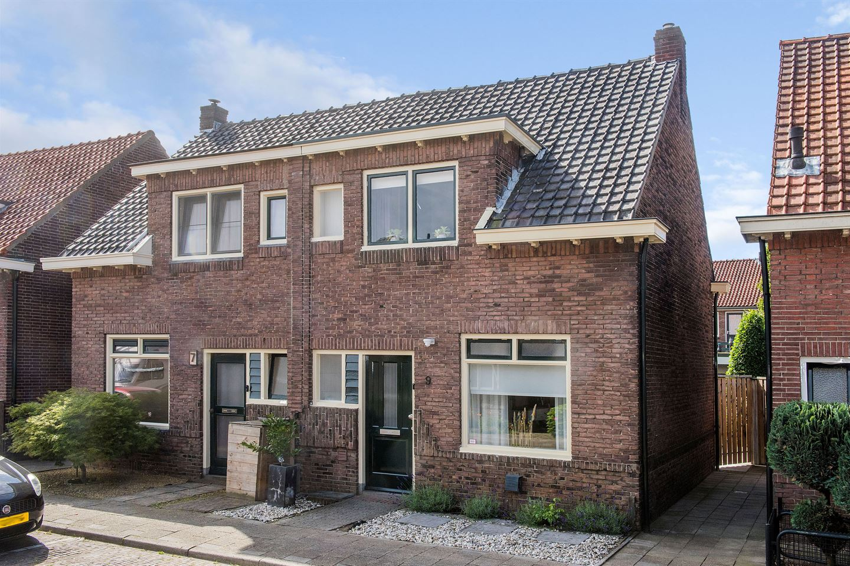 View photo 1 of Zonstraat 9
