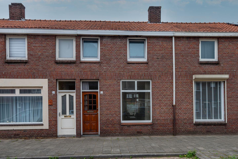 Bekijk foto 1 van Oeverstraat 56