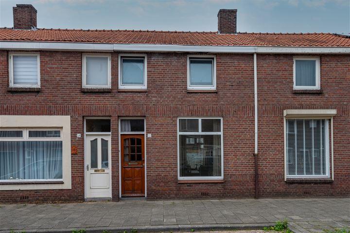 Oeverstraat 56