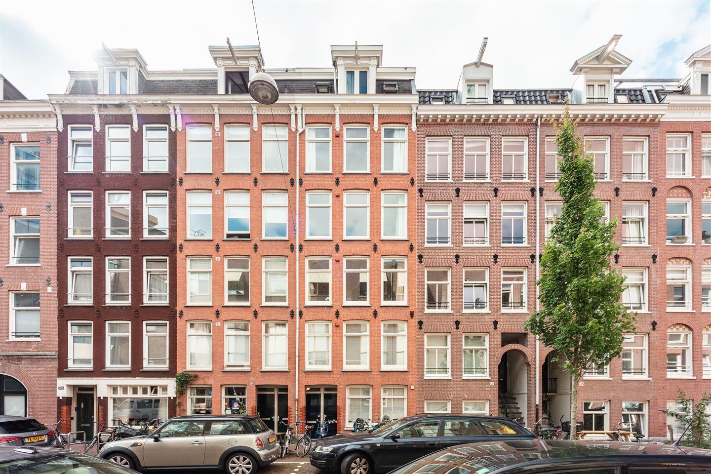 View photo 1 of Van Oldenbarneveldtstraat 102 2