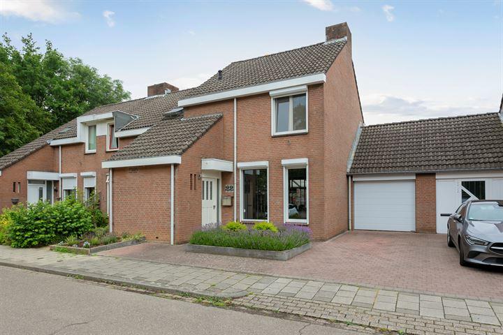Burg. van Laarstraat 22