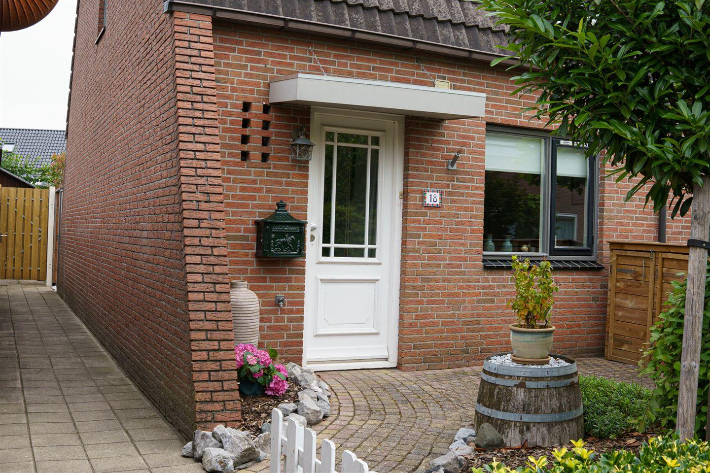 View photo 2 of de Meenthe 18