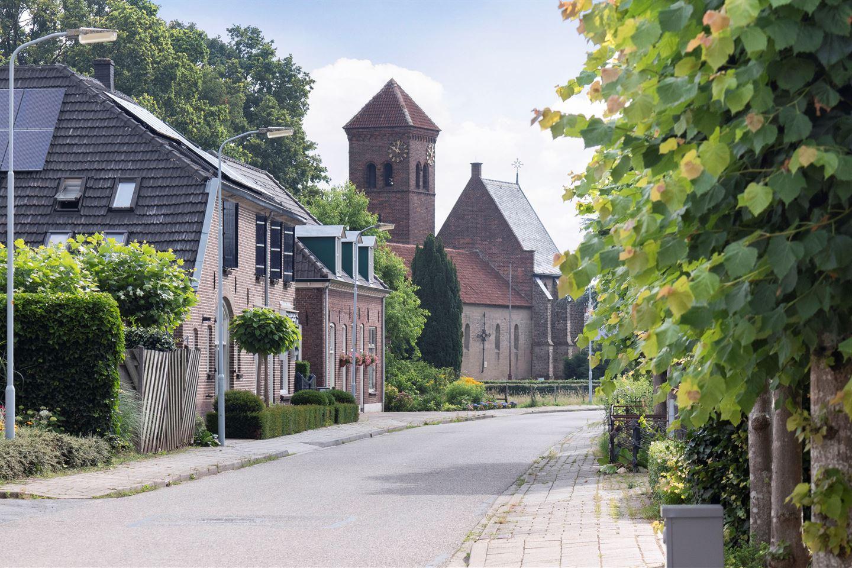 Bekijk foto 2 van Dorpsstraat 22