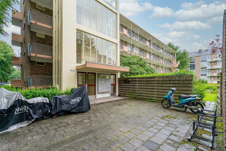 Bekijk foto 2 van Dr H. Colijnlaan 120