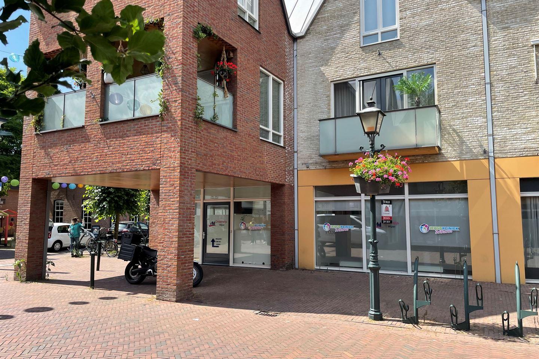 Bekijk foto 2 van Dorpsstraat 182 -182a