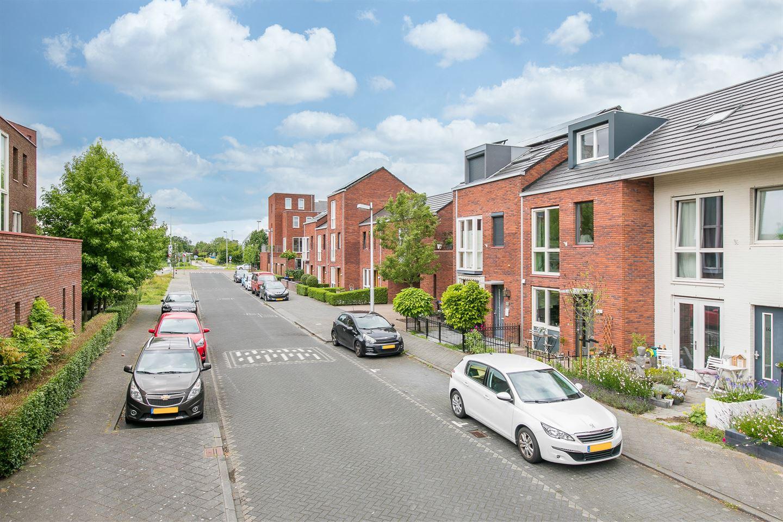 Bekijk foto 3 van Van den Broekstraat 12