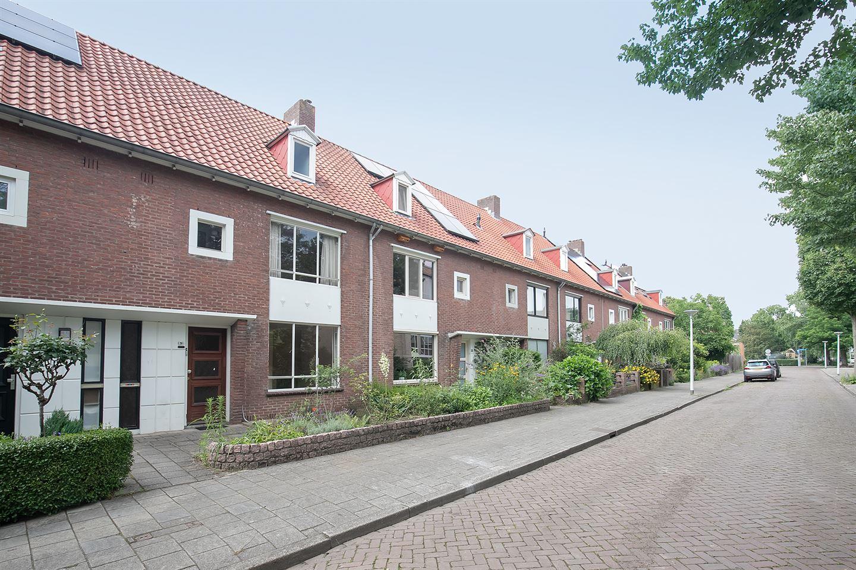 Bekijk foto 2 van Willem Klooslaan 20