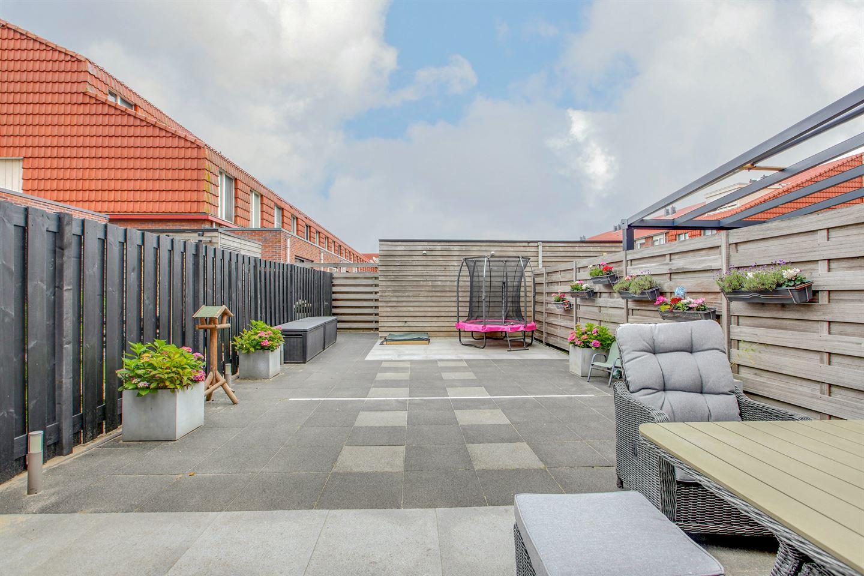 Bekijk foto 2 van J M van der Meystraat 4