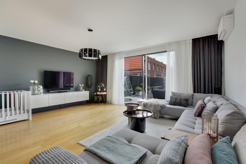 Bekijk foto 3 van J M van der Meystraat 4