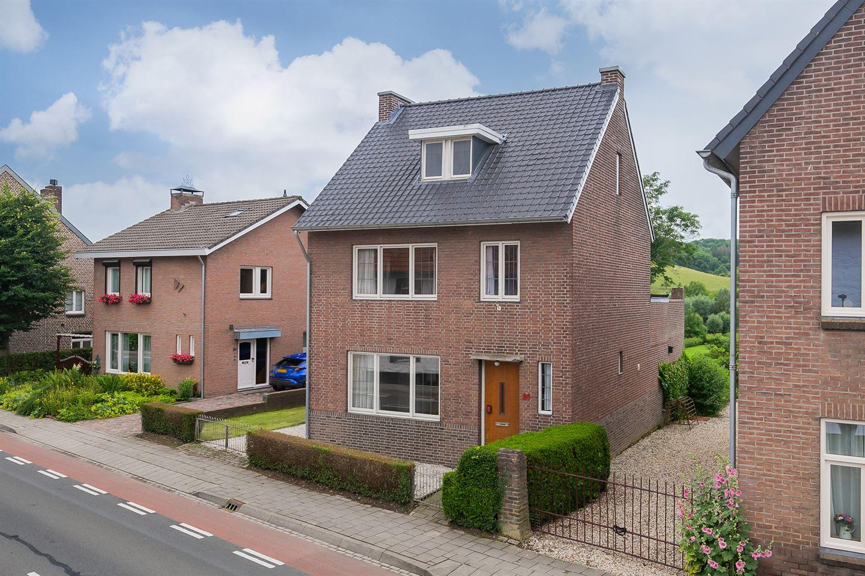 Bekijk foto 2 van Valkenburgerweg 86