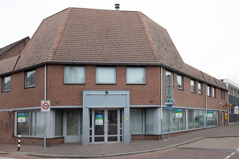 Bekijk foto 1 van Nieuwe Markt 1