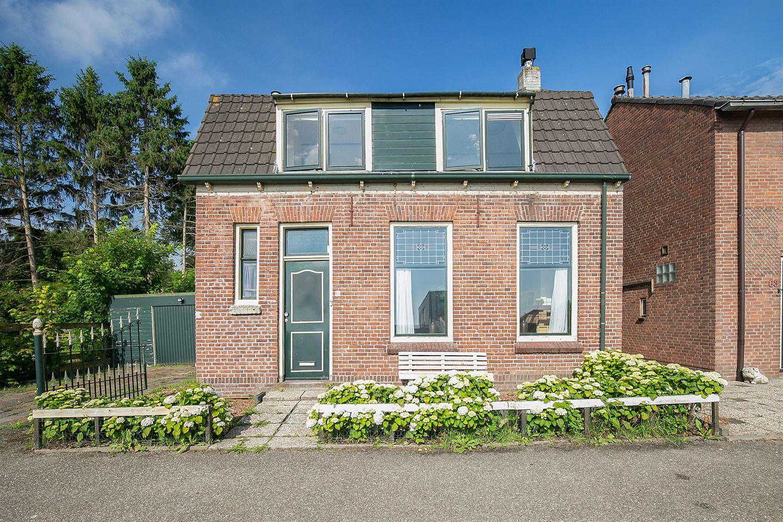 View photo 2 of Molendijk 63