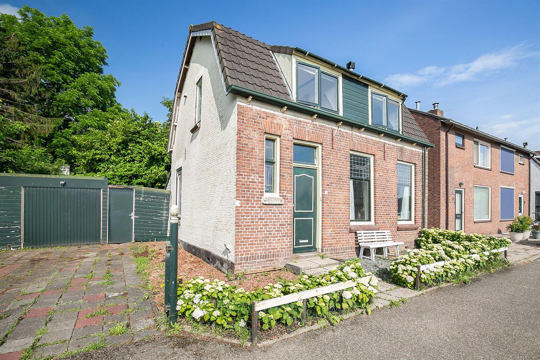 View photo 4 of Molendijk 63