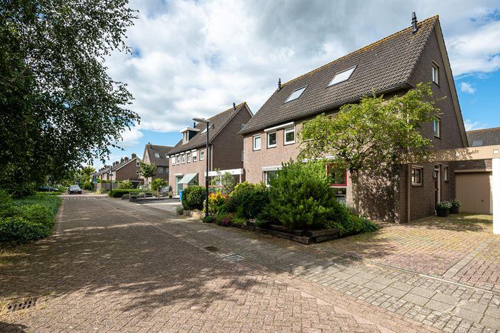 Cornélie Huygensstraat 5