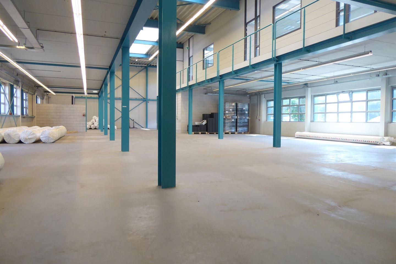 Bekijk foto 3 van Industrielaan 15 C