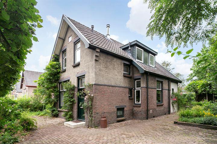 Pieter de Hoochlaan 12