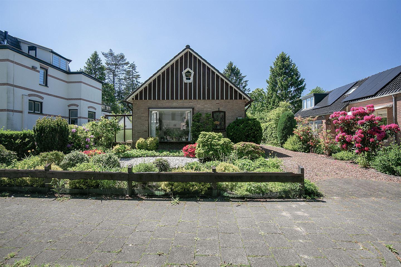 Bekijk foto 2 van Graaf Van Lijndenlaan 21 a