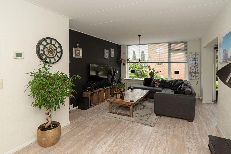Bekijk foto 3 van Pieter de Hoochstraat 68