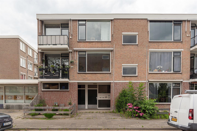 Bekijk foto 2 van Pieter de Hoochstraat 68