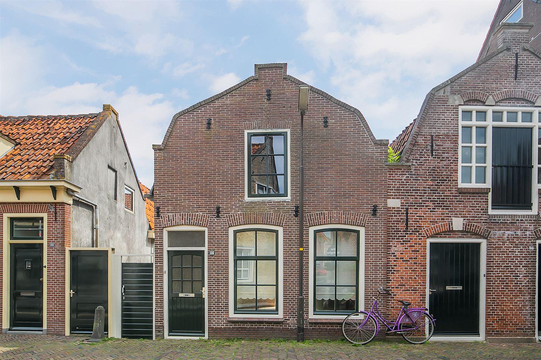 Bekijk foto 1 van Breedstraat 155