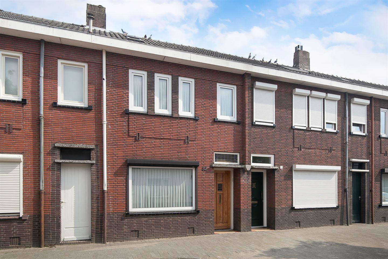 Bekijk foto 2 van Christiaan Huijgensstraat 32
