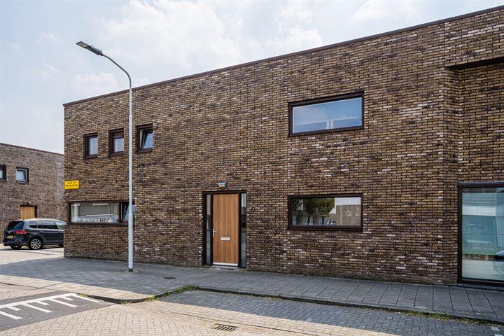 Jacob van Maerlantstraat 1