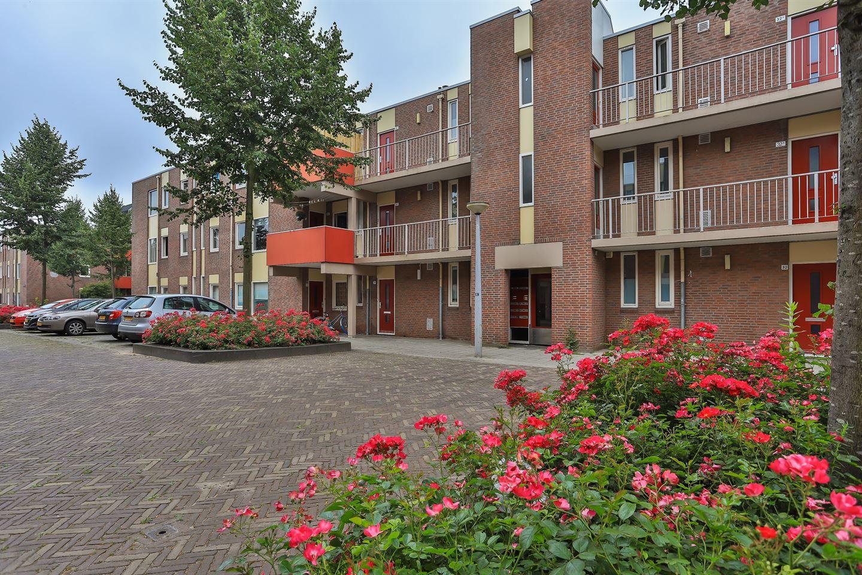 Bekijk foto 1 van Bedumerstraat 30 b