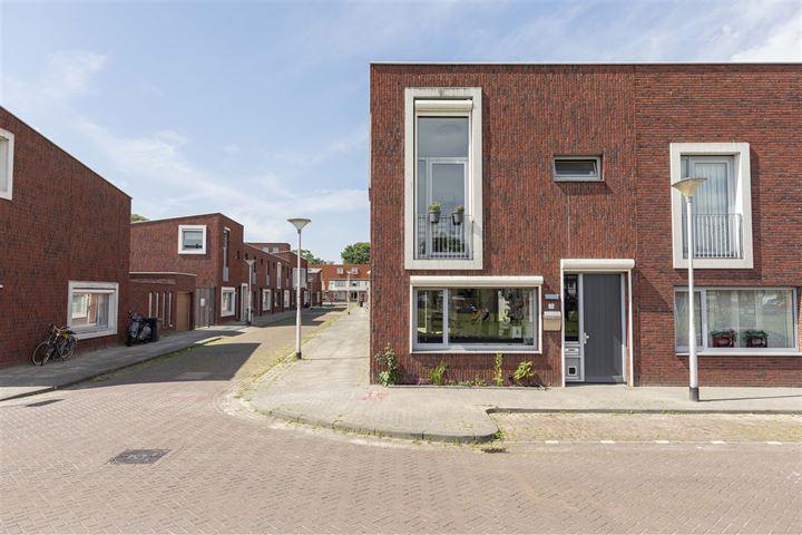 Cornelis van Uitgeeststraat 13