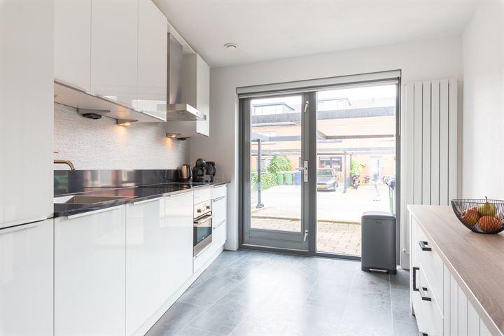 Woestduijnstraat 35