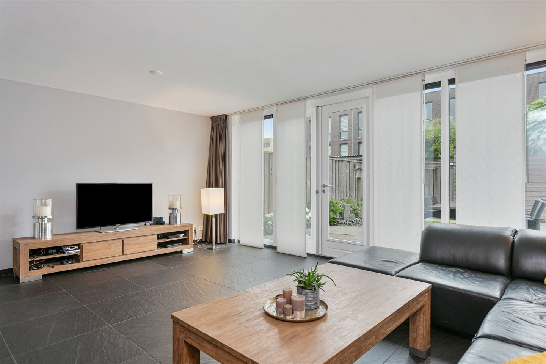 Bekijk foto 2 van Waardenburgstraat 6